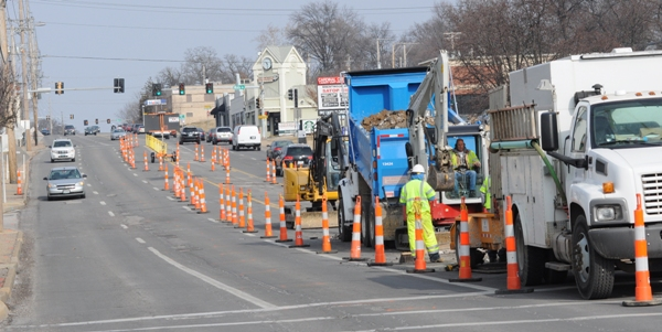 The center lanes of Brentwood Boulevard are closed near White Avenue for a water main replacement. This photo was taken on Tuesday. (All photos  by Steve Bowman)