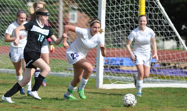 With Brentwood behind 3-0 in the first half, Tara Lochmoeller drops back to help on defense.