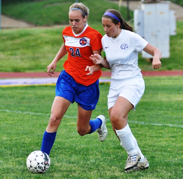 Gabby Naumann (right) closely covers Valley Park's Jane Smith.