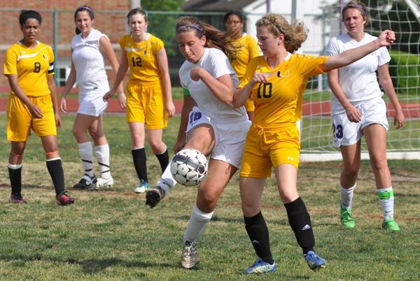 Gabby Naumann gets possession in the first half.