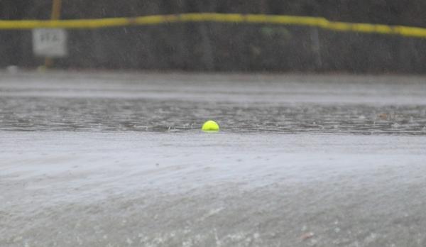A softball floats east through Brentwood Park on Dec. 26. (Photo by Steve Bowman)