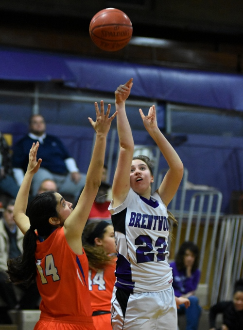 Gabby Gombas shoots in the Clayton game.