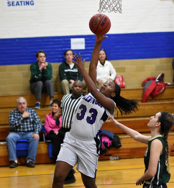 Marshelle Franklin scores on a layup.