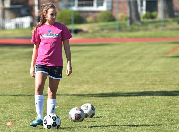 Freshman midfielder Elle Curran.