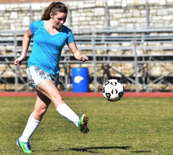 Sophomore defender Emma Stoverink.