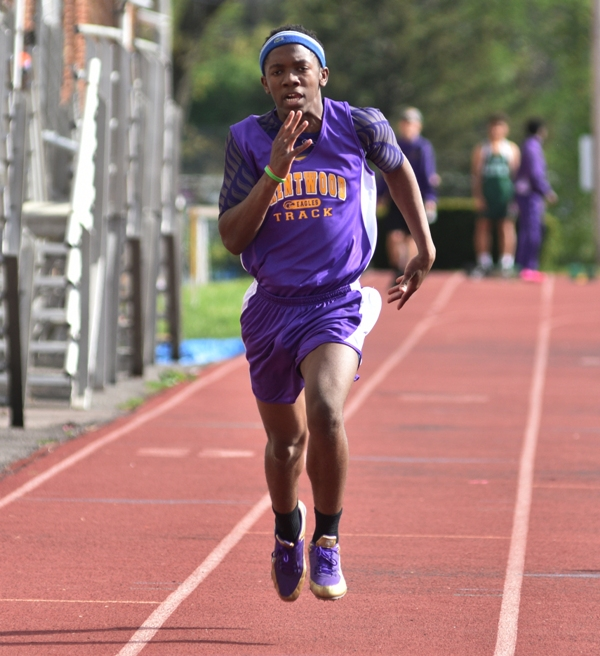 DeAndre Boykin runs the 100-meter dash.