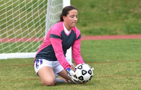 Rachel Walthall stops a shot in practice.