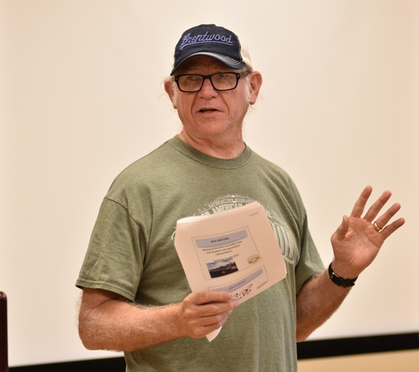 Ed Wright Jr. speaks at the April 18 meeting.